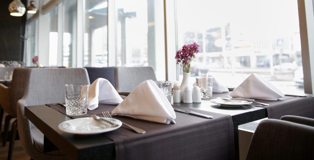 restaurant table linen